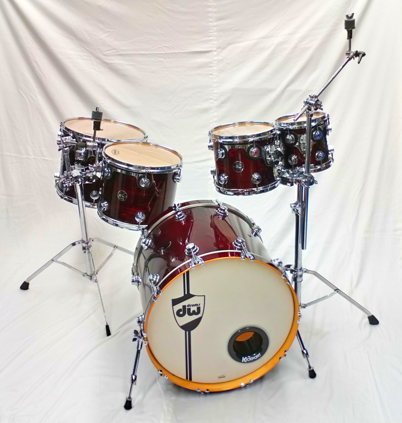 DW Drum Workshop Collectors Series Kit in Cherry Red Lacquer – 8″, 10″, 13″  15″ & 22″